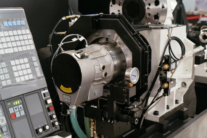 Токарный станок с ЧПУ Genos L300-М «Окума-Пумори»
