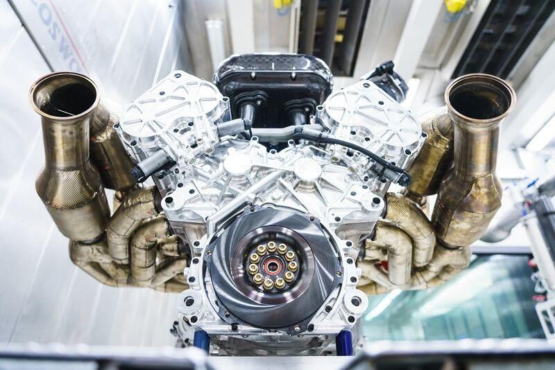Двигатель Aston Martin Valkyrie