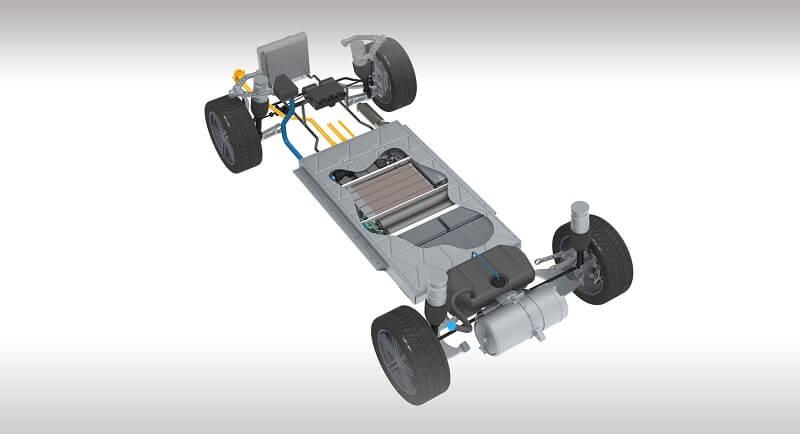 Судя по схеме, небольшой бак для метанола разместится перед задней осью, но большая часть пространства между осями оставлена для тяговой батареи
