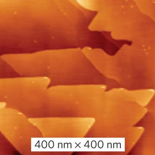 Изображение поверхности теллурида висмута, покрытой слоями станена