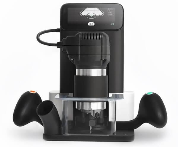 Shaper Tools предлагает уникальный высокотехнологичный ручной ЧПУ-фрезер