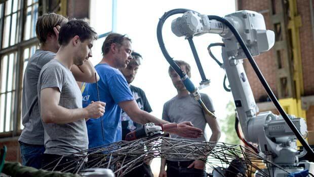 Команда разработчиков уже распечатывает экспериментальные конструкции из металла