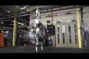 Робота Boston Dynamics научили выполнять впечатляющие трюки
